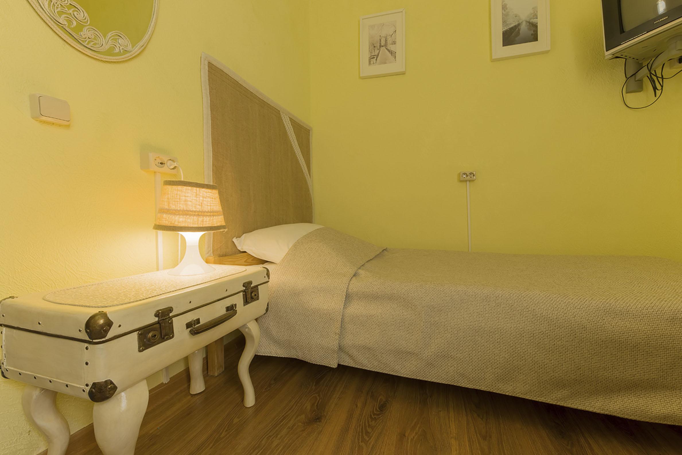 room-8-3