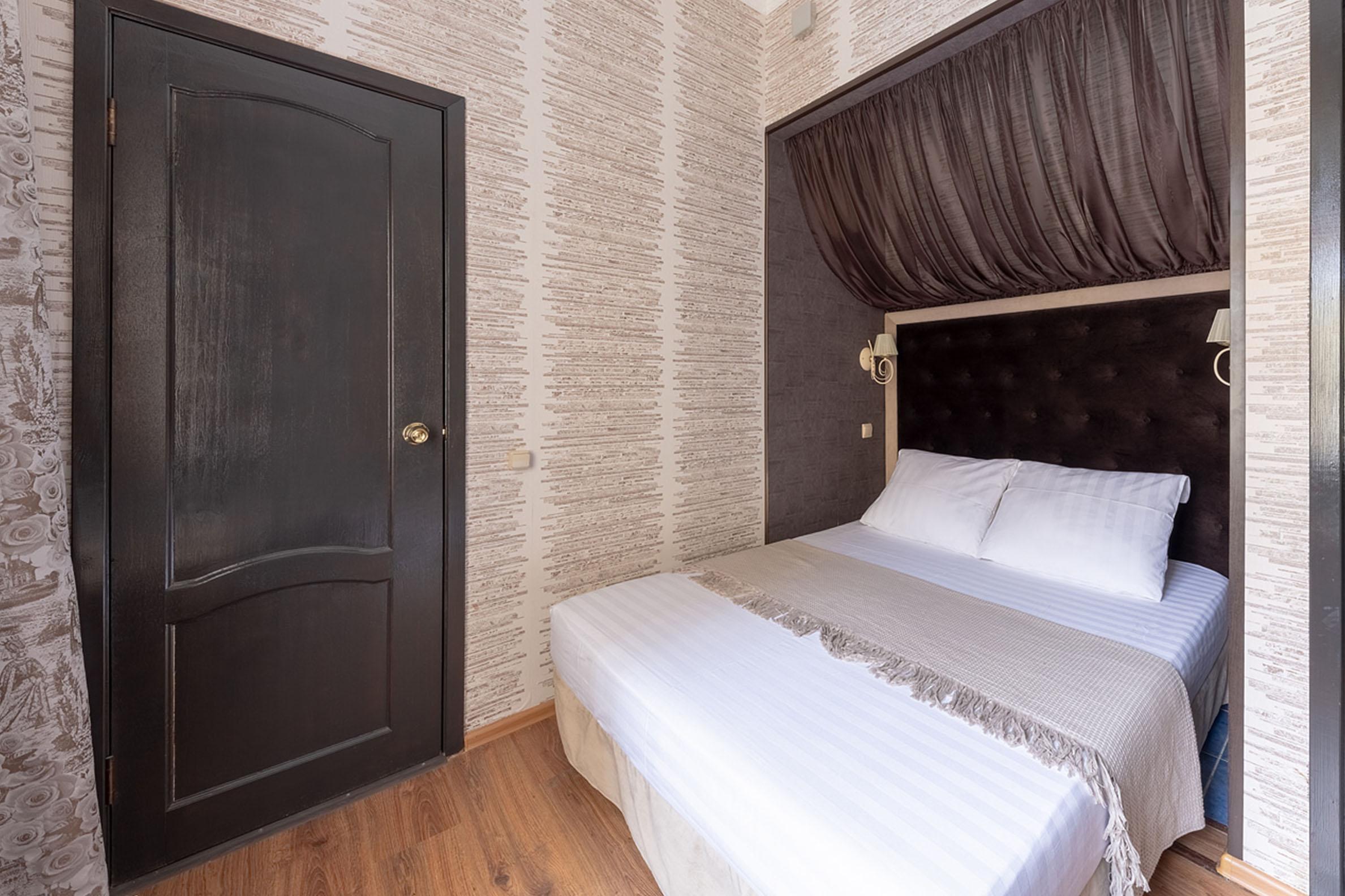 room-9-1